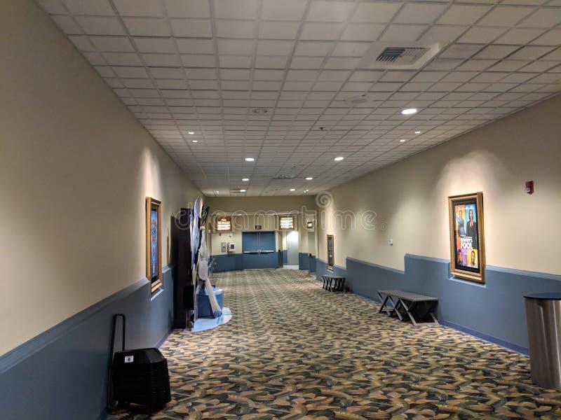 Hall inom Mary Pickford är D & x27; Ställe med filmaffischen av Nobody& x27; s-dumbom arkivfoton