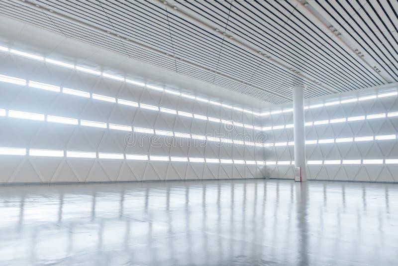 Hall vide de station de train image libre de droits