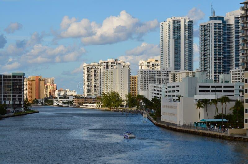 Hallandale horisont i Florida royaltyfria bilder