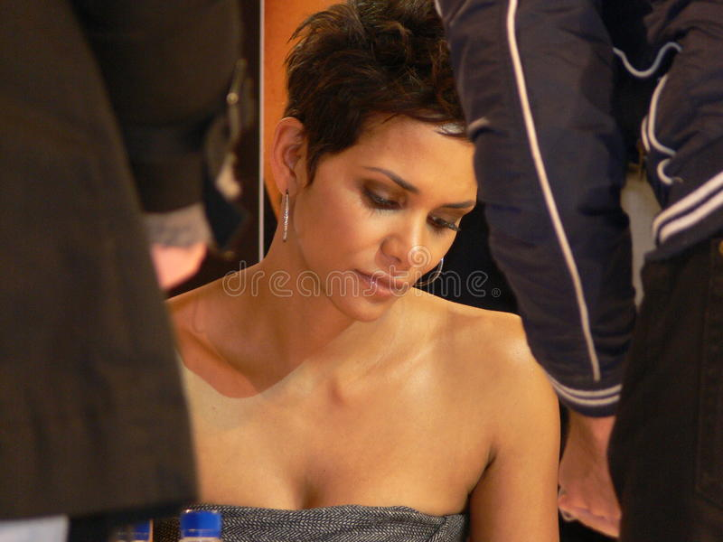 Halle Berry in Polen (05) royalty-vrije stock foto