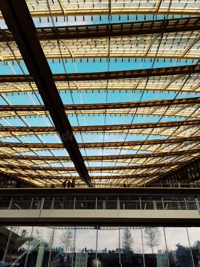 Halles de Les, le nouveau mail commercial au centre de la ville de Paris photo stock