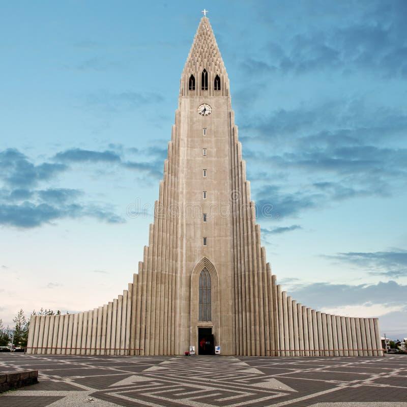 Hallgrimskirkja domkyrka i reykjavik Island arkivbilder