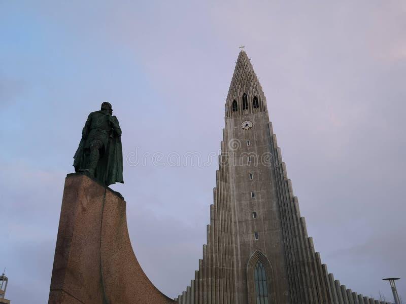 Hallgrimskirkja domkyrka i reykjavik Island royaltyfria foton