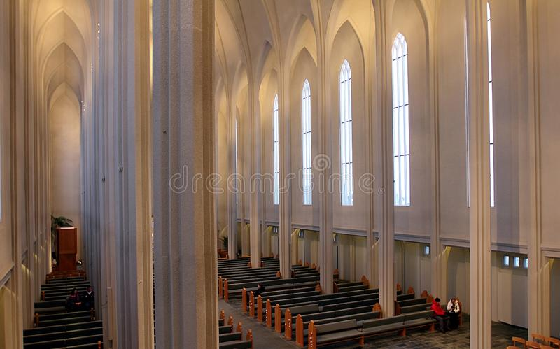 Hallgrimskirkja-Kathedrale in Reykjavik stockfoto