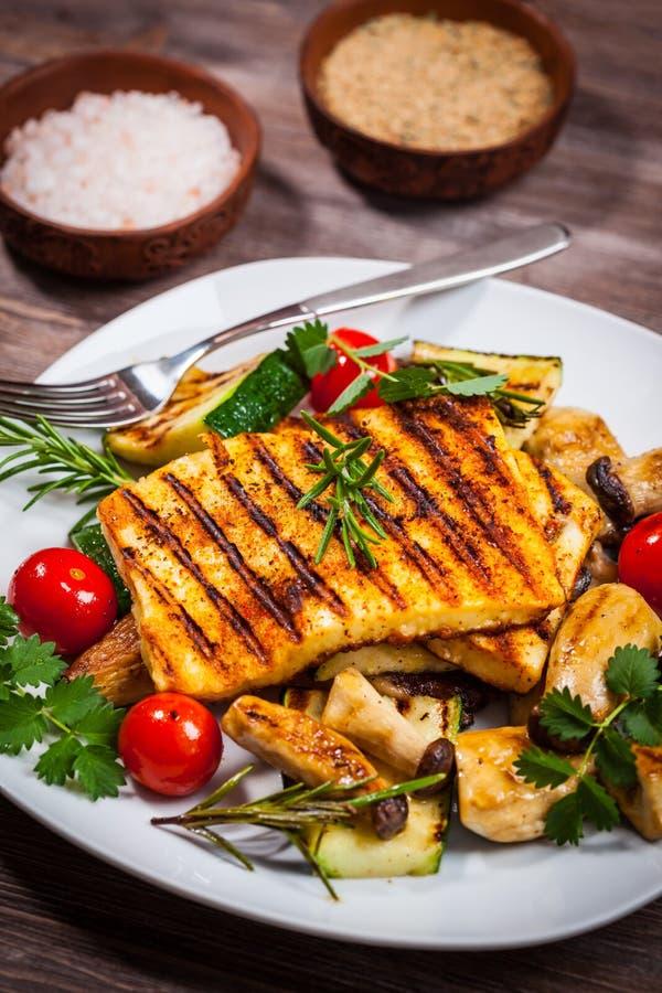 Halloumi grillte Käse lizenzfreies stockfoto