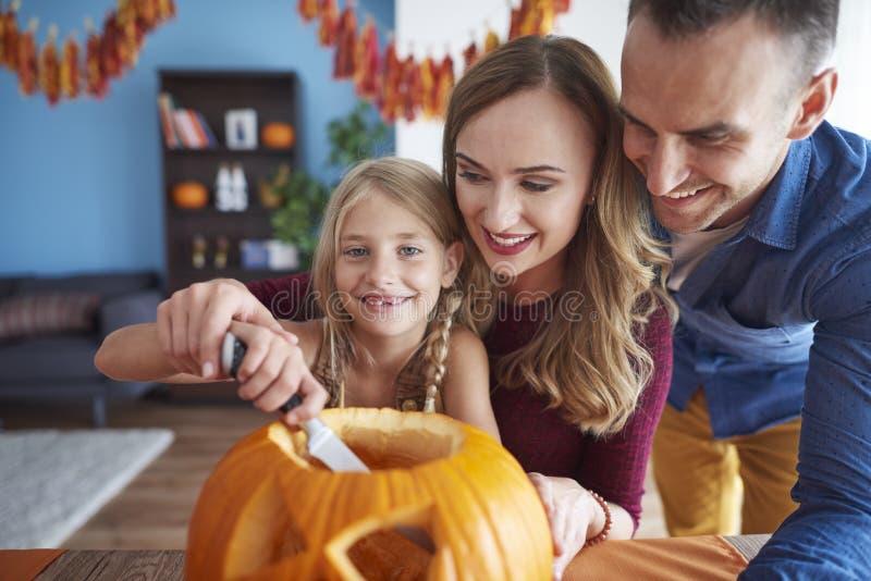 Halloween con la familia fotos de archivo