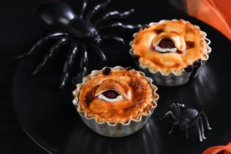 Halloween Creepy Eye Cakes fotografia stock libera da diritti