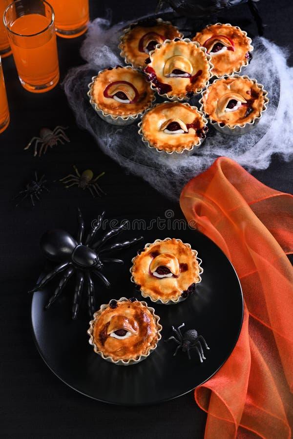 Halloween Creepy Eye Cakes fotografie stock libere da diritti