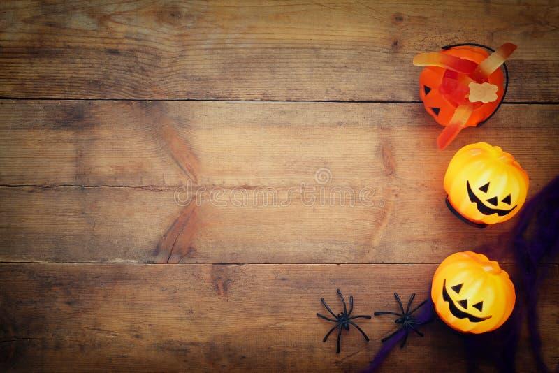 Halloween-de hoogste mening van het vakantieconcept Pompoenen, spinnen royalty-vrije stock fotografie