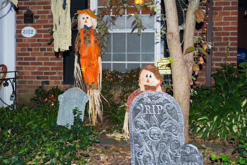 Halloween-Decoratie in een Tuin tijdens Halloween-Viering a stock foto