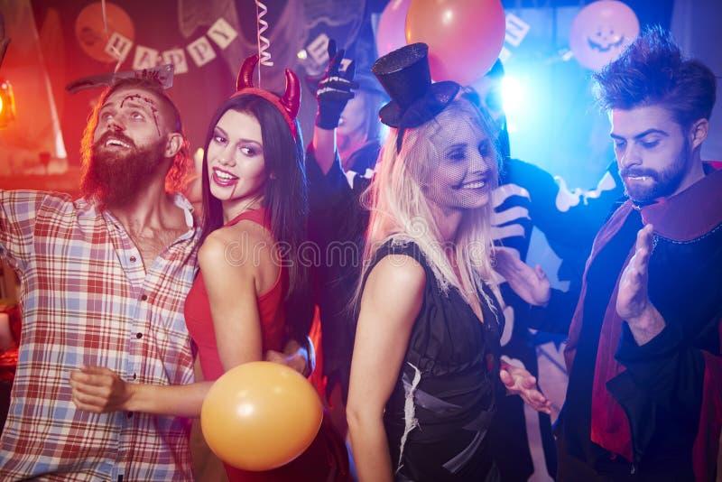 Halloween deltagare fotografering för bildbyråer