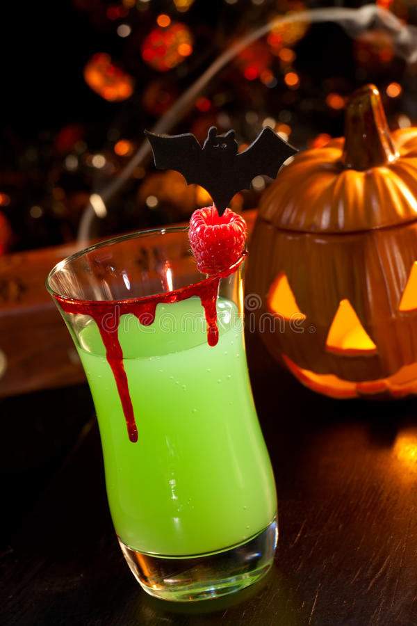 Halloween drinks vampire 39 s kiss cocktail stock photos for Halloween green punch recipes alcoholic