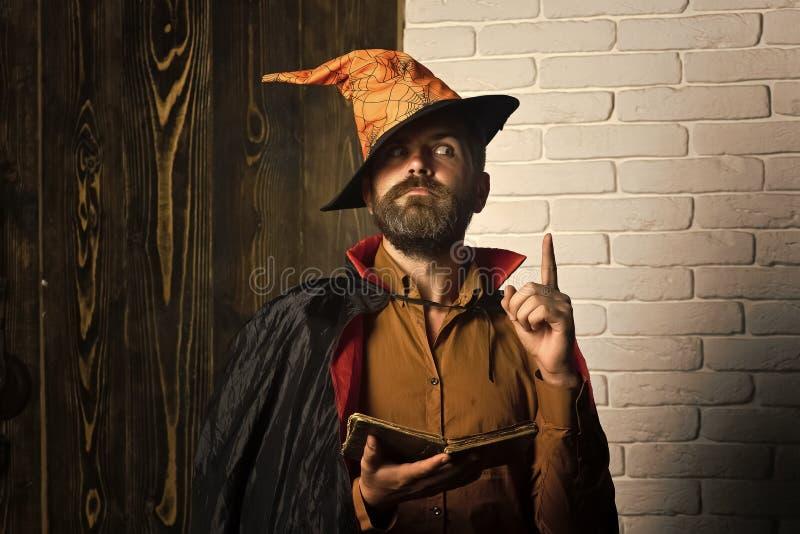 Halloween-filosofie, wijsheid en kennisconcept stock foto
