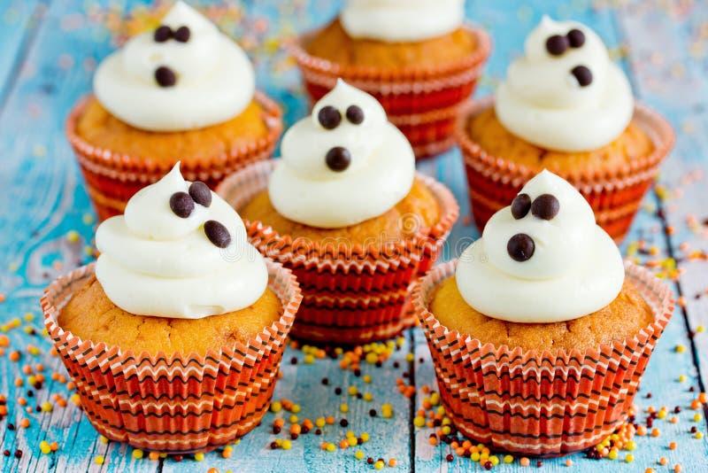 Halloween-Geistkleine kuchen stockbild