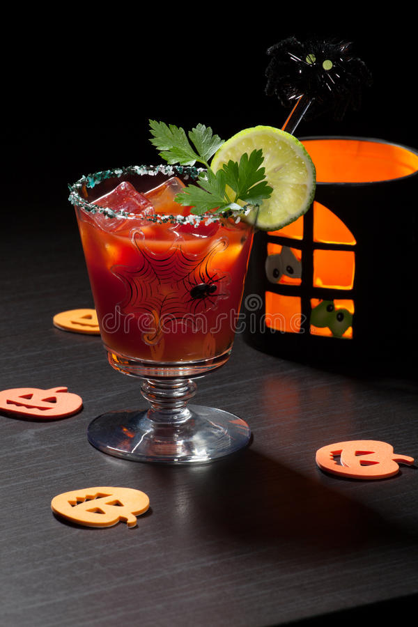 Halloween-Getränke - Bloody- Marycocktail lizenzfreie stockfotografie