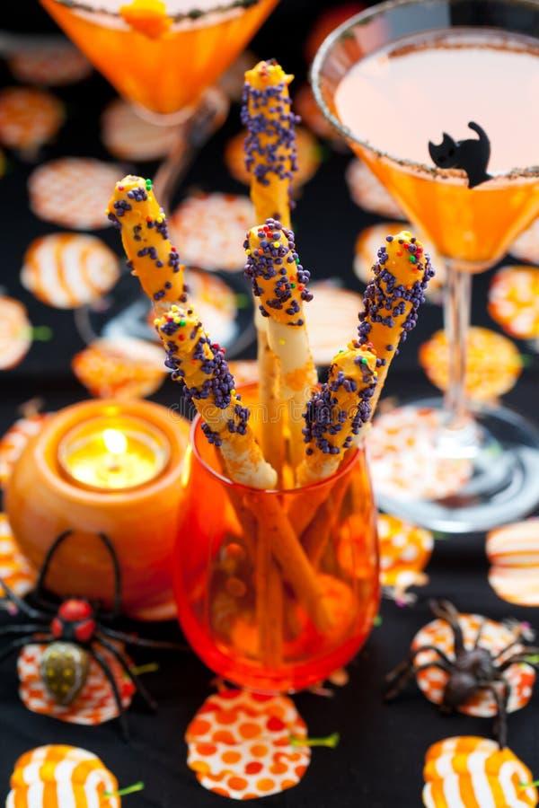 Halloween-Imbiß und Getränke lizenzfreie stockbilder