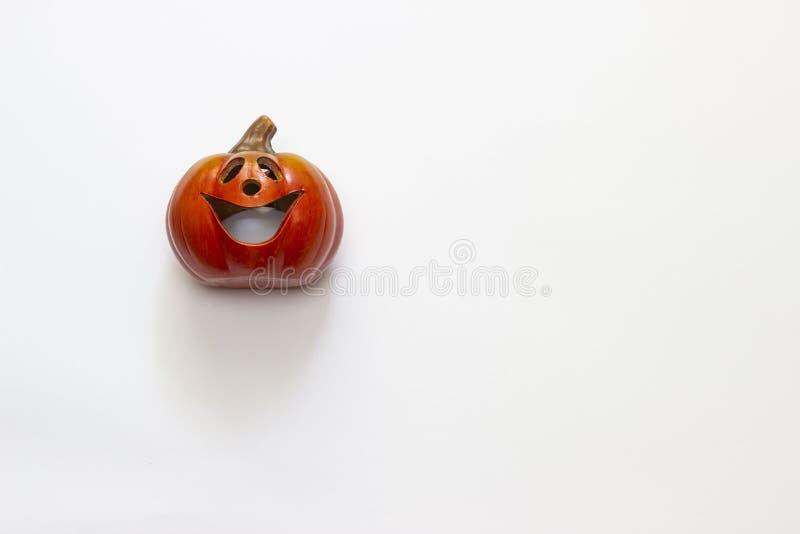 Halloween-kaarspompoen op een witte achtergrond royalty-vrije stock foto's