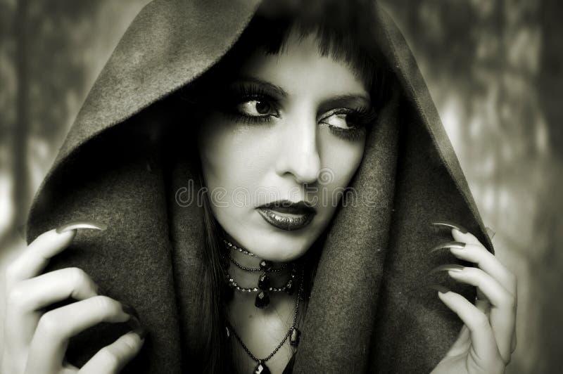Halloween-Konzept. Art und Weiseportrait der Frau stockfotografie