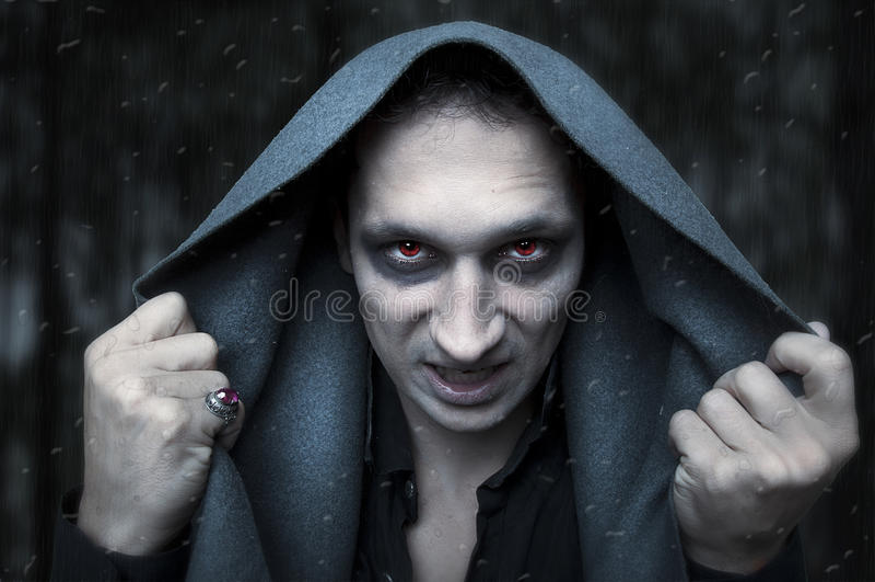 Halloween-Konzept. schlechter Zauberer lizenzfreies stockfoto