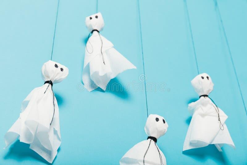 Halloween-kunstdecor, diy document spokenachtergrond stock afbeeldingen