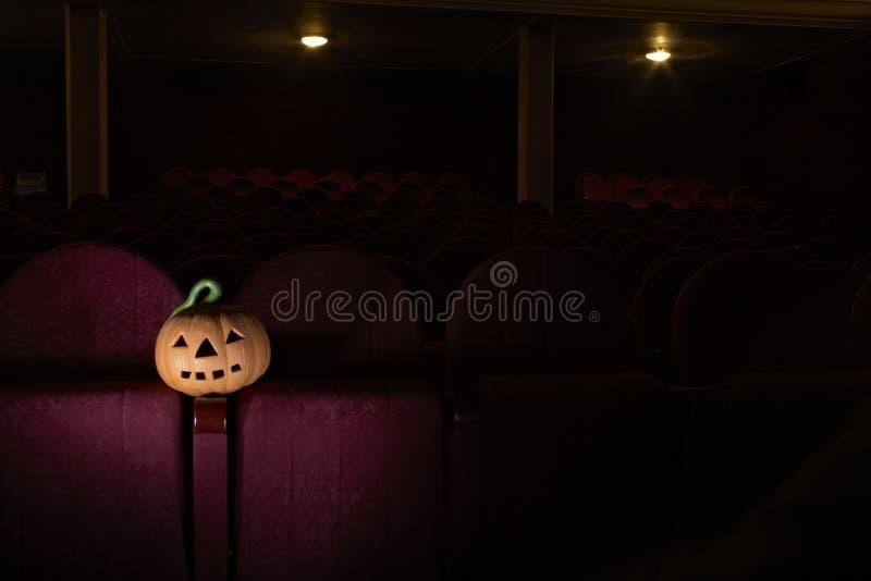 Halloween no cinema imagem de stock