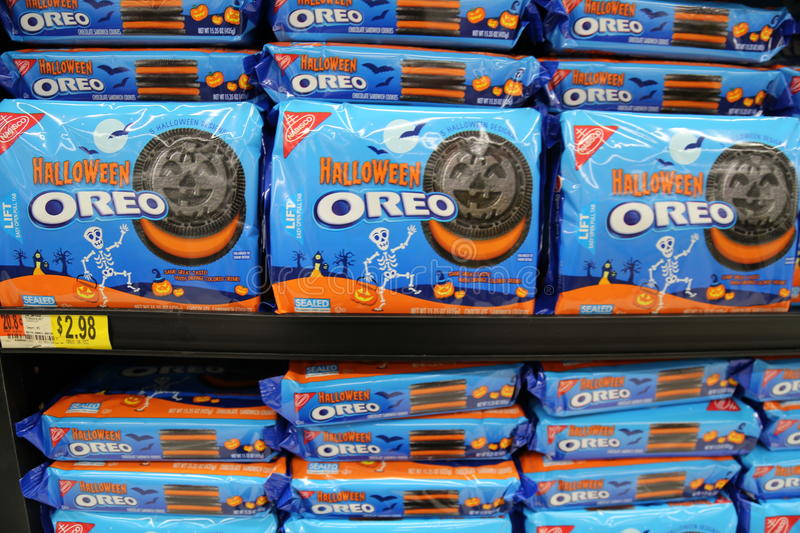 Halloween Oreos editorial photography. Image of cookie - 58953677