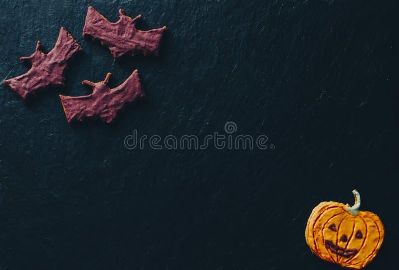 Halloween-Plätzchen auf Schreibtisch lizenzfreie stockfotografie