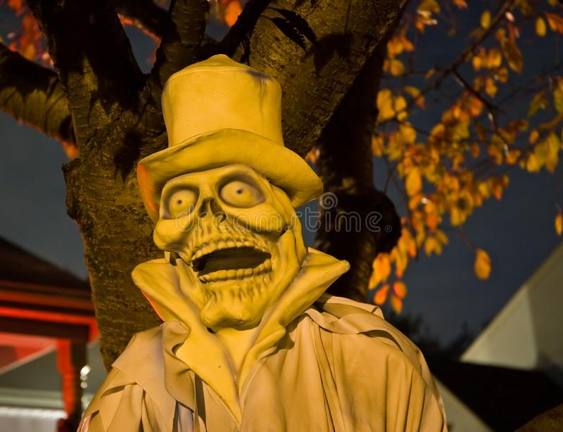 Halloween spöke på natten - 2 arkivbild