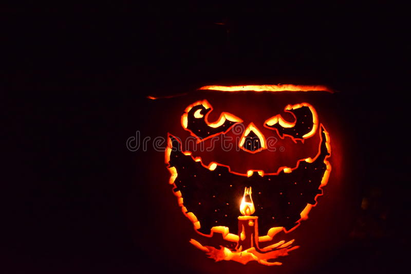 Halloween-Steckfassung-Olaterne, innerhalb - heraus lizenzfreie stockfotos