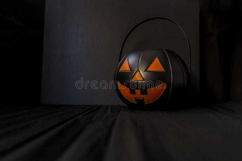 Halloweenowa bania dla cukierku zdjęcie stock
