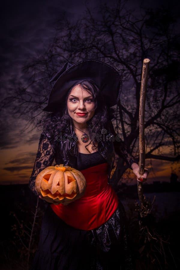 Halloweenowa czarownica bania zdjęcia royalty free