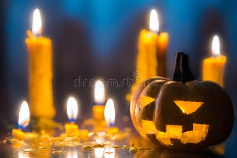 Halloweenowa straszna lampion bani głowa z świeczek decorami obrazy stock