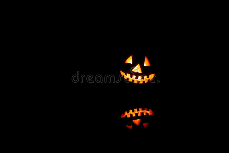 Halloweenowe banie one uśmiechają się i straszni oczy dla partyjnej nocy Zamyka w górę widoku straszny Halloweenowy stary lampion zdjęcie royalty free