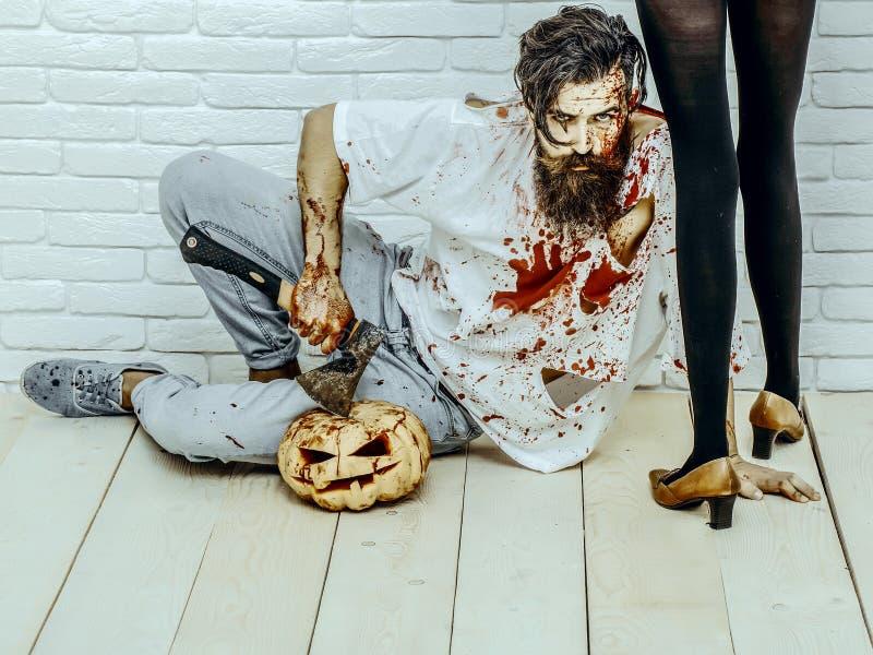 Halloweenowy brodaty modniś z czerwonymi krwionośnymi splatters zdjęcie royalty free