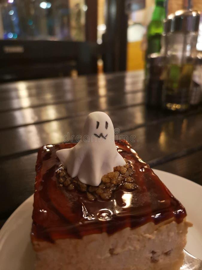 Halloweenowy fantomu tort obraz stock