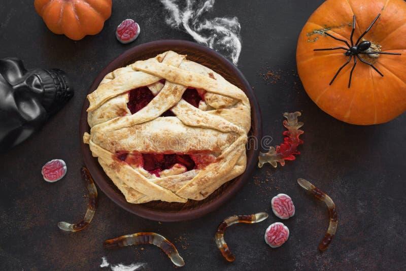 Halloweenowy mamusia kulebiak zdjęcia stock