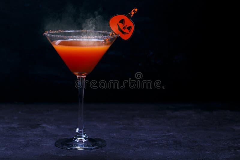 Halloweenowy napój dla przyjęcia, selekcyjna ostrość zdjęcie royalty free