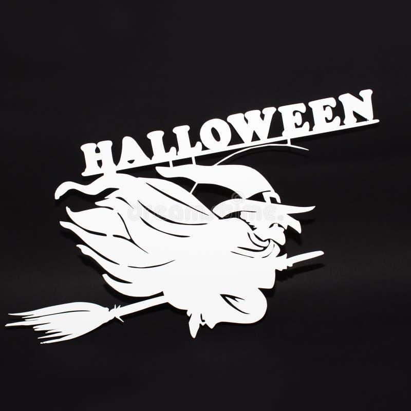 Halloweenowy wakacyjny metalu odgórnego widoku wizerunek czarownica nad czarnym tłem obrazy royalty free