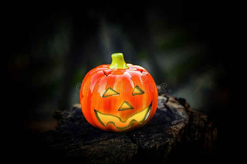 Hallowenpompoen met glanzende ogen royalty-vrije stock afbeeldingen