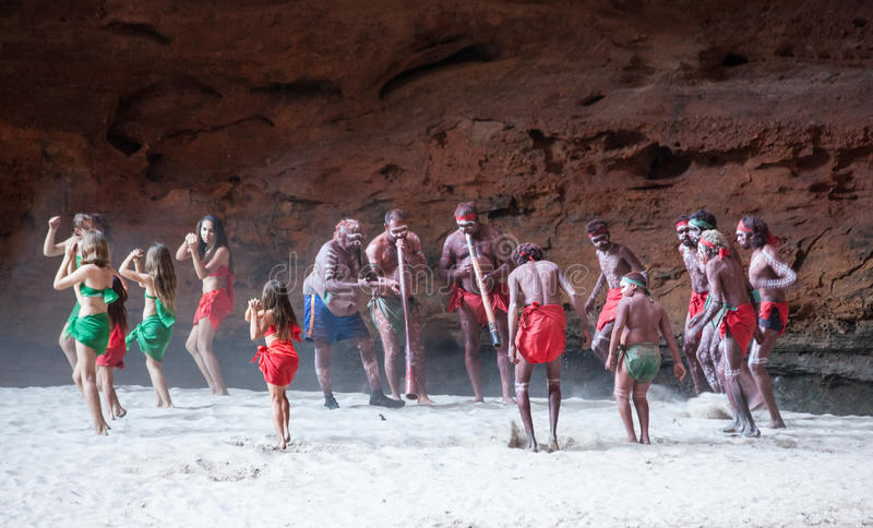 Download HALLS CREEK, WESTERN AUSTRALIA, AUSTRALIA - JULY 13, 2013 Editorial Photo - Image of experience, cultural: 91226566