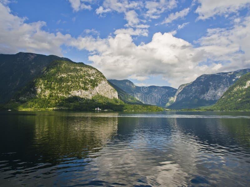 Hallstatt湖和阿尔卑斯 图库摄影