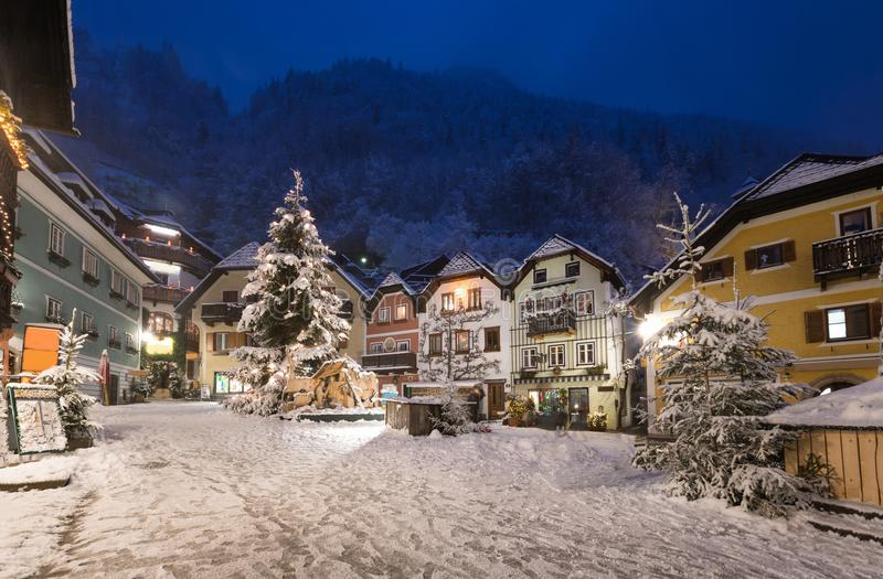 Hallstatt,奥地利古镇的全景  图库摄影