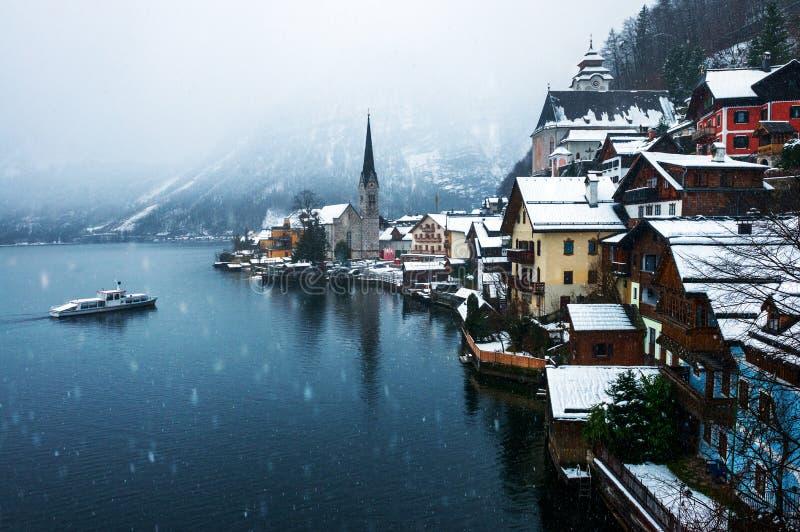 Hallstatt,奥地利镇在冬天 免版税库存图片