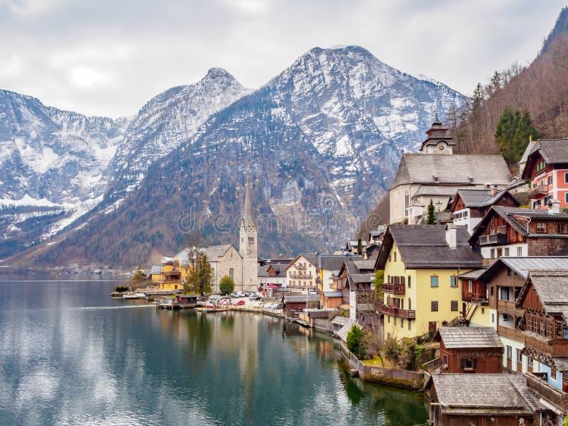 HALLSTATT AUSTRIA: LA MAYORÍA DEL PUEBLO HERMOSO EN EL MUNDO foto de archivo libre de regalías