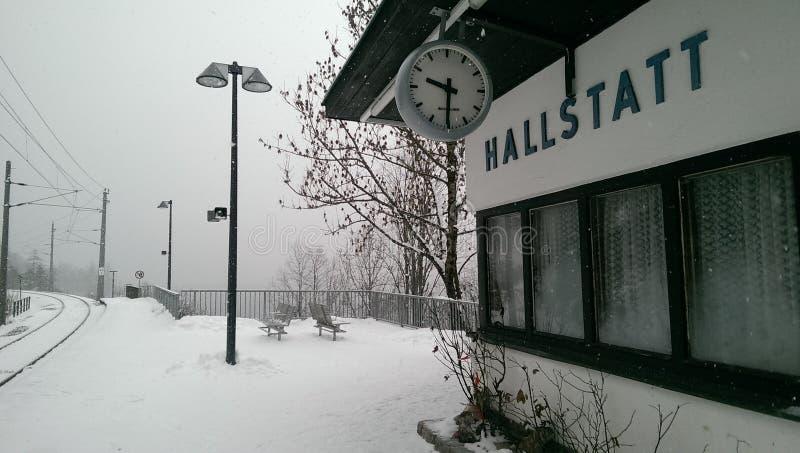 Hallstatt nella vista della neve, Austria fotografia stock libera da diritti