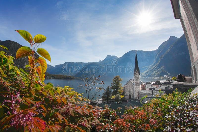 Hallstatt - pueblo en las montañas austríacas foto de archivo libre de regalías