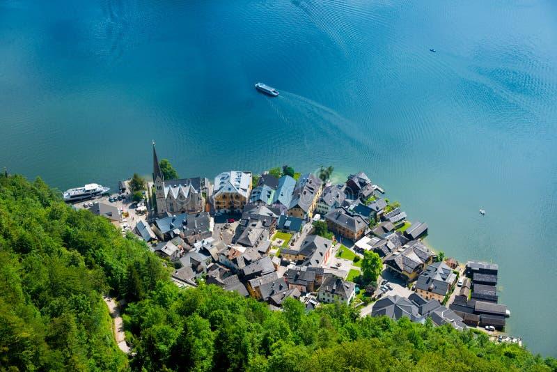 Hallstatt See vom Salzwelten-Salzbergwerkstandpunkt stockfotografie