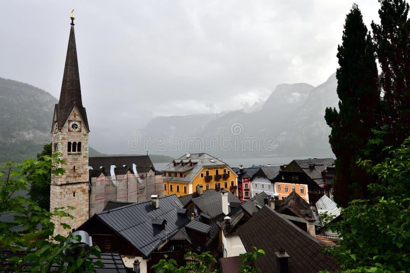 Hallstatt w deszczowym dniu zdjęcie royalty free