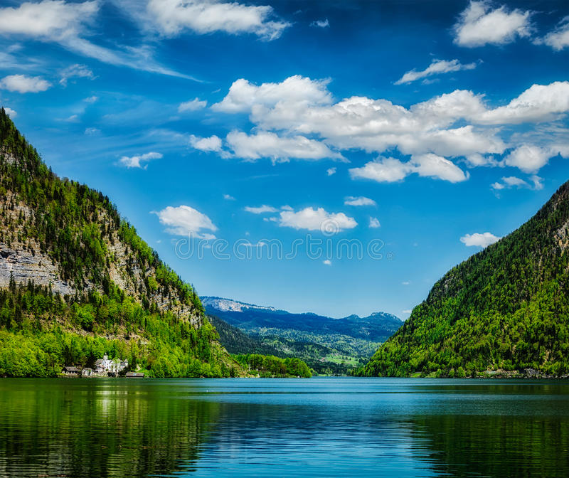 Hallstatter видит озеро горы в Австрии стоковые фотографии rf