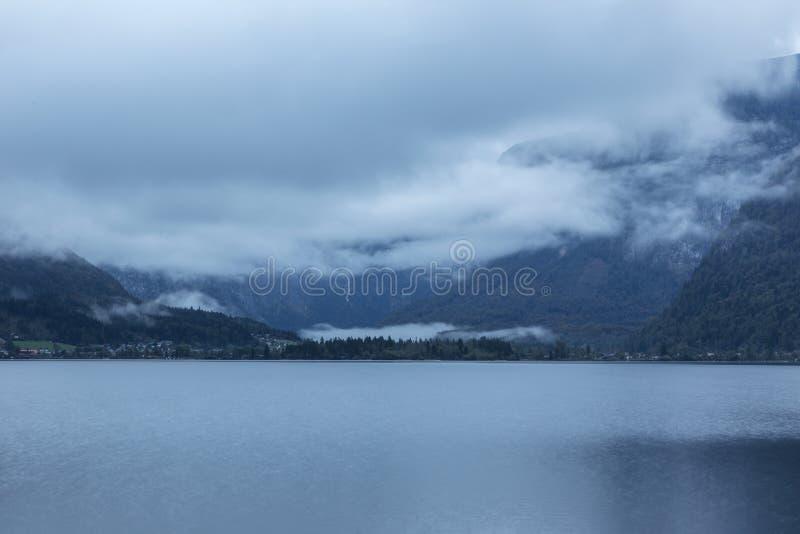Hallstatter видит озеро горы в Австрии стоковые фото